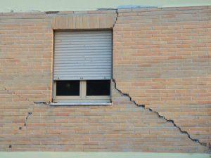 terremoto_crepa_finestra